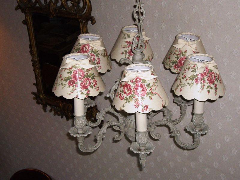 lustre bronze patine lin abat jour toile fleurie photo de lustre l 39 esprit des lumi res. Black Bedroom Furniture Sets. Home Design Ideas