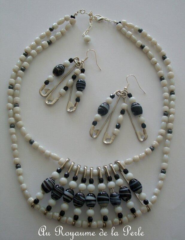 Collier noir et blanc 2