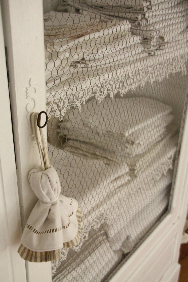 etre dans de beaux draps une fee d 39 hiver. Black Bedroom Furniture Sets. Home Design Ideas