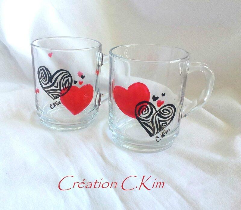 Duo de mugs coeurs enlacés