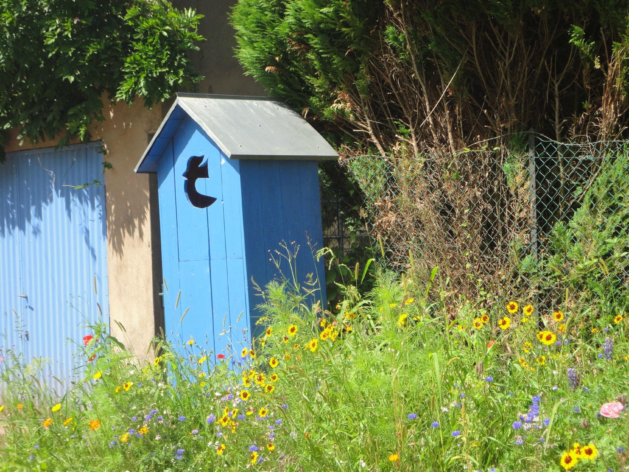 Aventures imaginaires au jardin de la paix bitche - Ma cabane au fond du jardin francis cabrel ...
