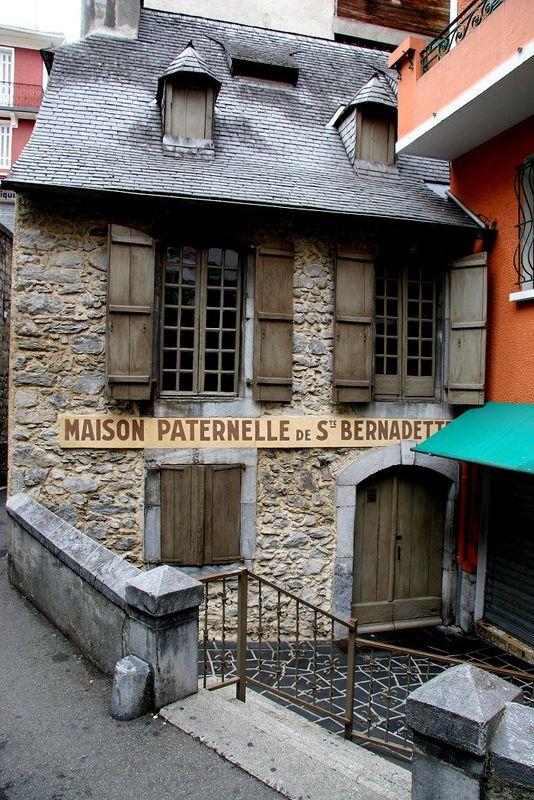 Lourdes, la maison paternelle