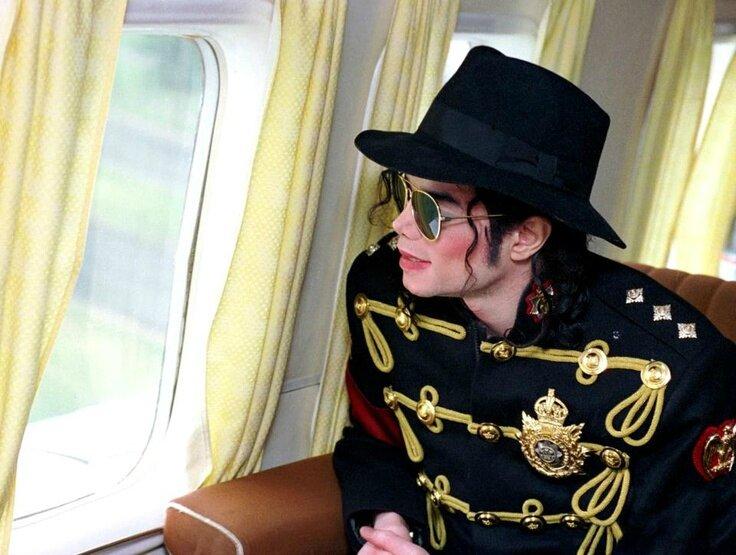 Michael-Jackson-image-michael-jackson-36528949-736-555