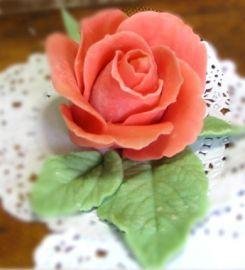 rose-en-pate-d-amande