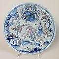 Nevers. plat à décor au chinois, xviième siècle