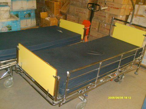 lits d h pital usag s vendre en liquidation d part belgique agrim. Black Bedroom Furniture Sets. Home Design Ideas