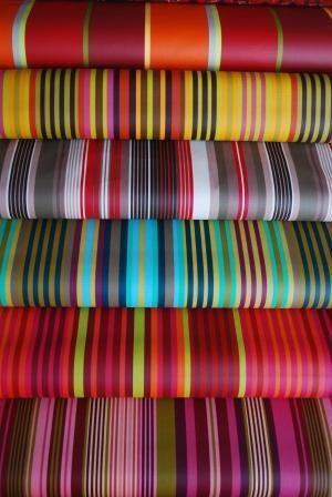 tissu pays basque table de cuisine. Black Bedroom Furniture Sets. Home Design Ideas