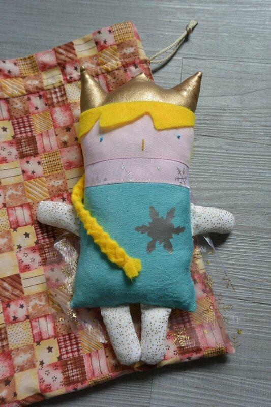 Poupée à coudre Reine des Neiges (1)
