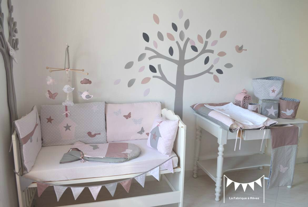 D coration chmbre b b enfant fille rose poudr gris rose for Decoration chambre de bebe