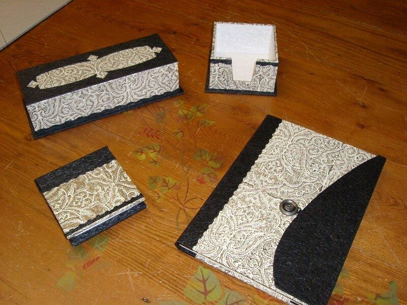 Ensemble bureau blanc et noir photo de cartonnage les - Ensemble de bureau design ...