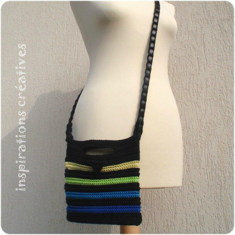 pochette ray e au crochet porter en bandouli re inspirations cr atives. Black Bedroom Furniture Sets. Home Design Ideas