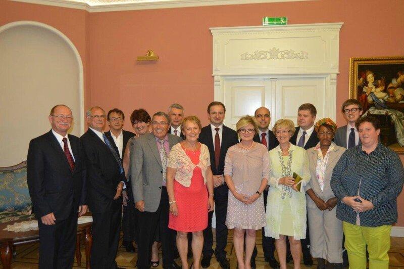 Photo avec nos hôtes lors du dîner officiel