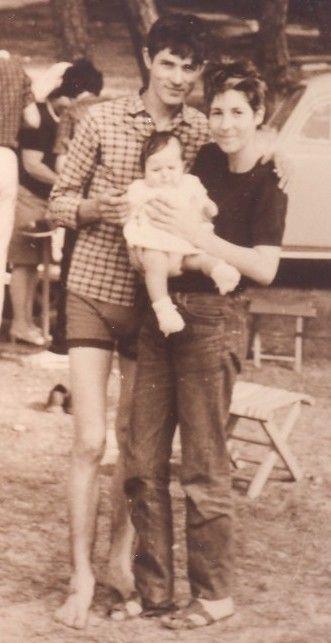 Moi, bébé, avec mes parents