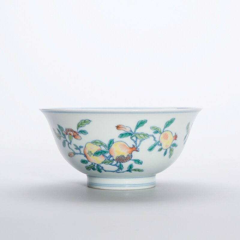 Chinese Wucai Glazed Porcelain Bowl, Yongzheng Six-Character Mark and of the Period 3