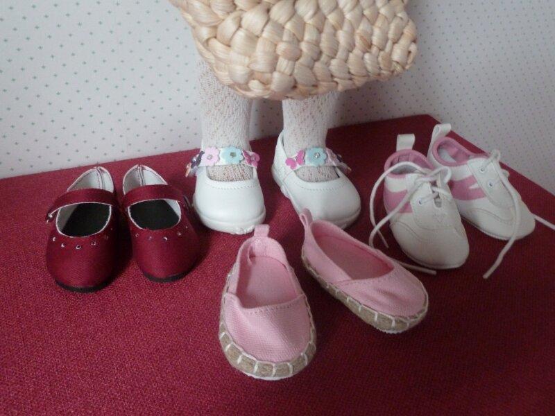 Elle a déjà plein de chaussures!!!!