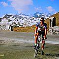 Montée à vélo sur le col le plus haut des alpes : l'iseran (2770m),un