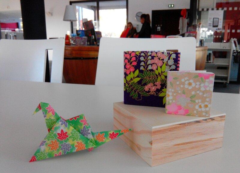 Atelier origami Vaucluse - Bouches du Rhône - Delphine Minassiam- Livre en origami - Médiathèque Cheval-Blanc