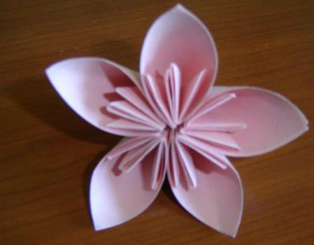 fleurs en origami facile faire. Black Bedroom Furniture Sets. Home Design Ideas