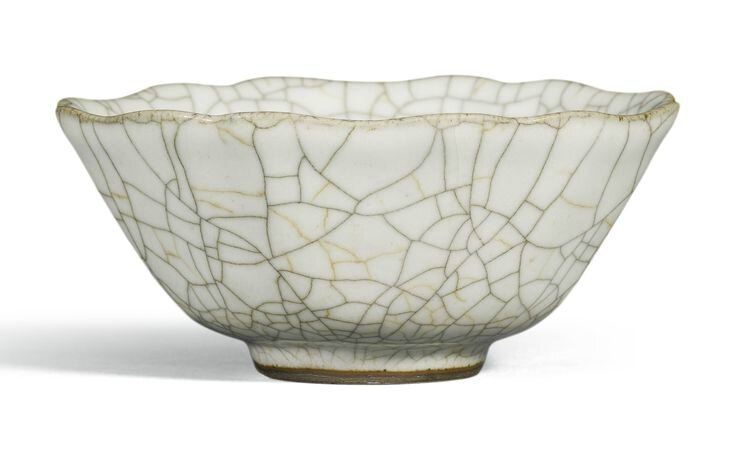 A ge-type bowl, Qianlong seal mark and period