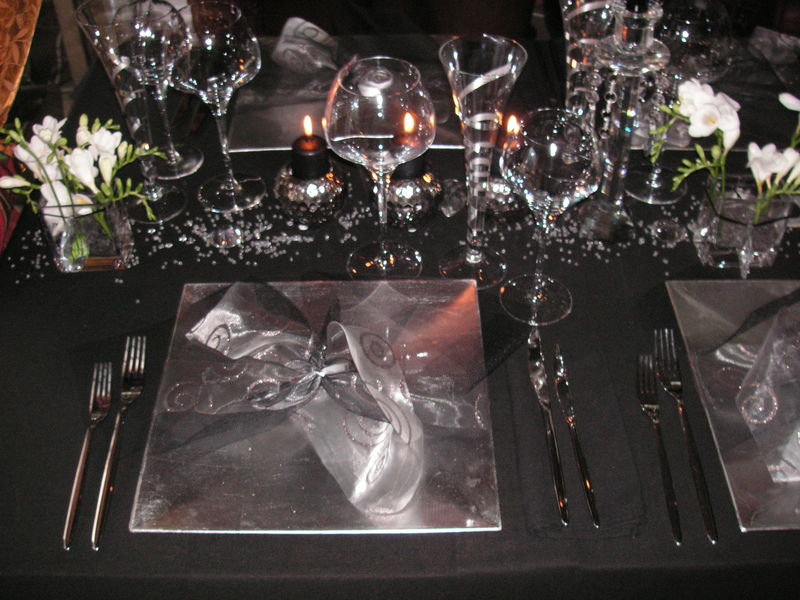 Table r veillon argent a table c t d co for Decoration reveillon