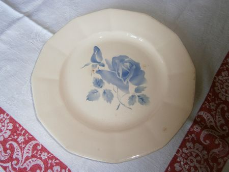 Assiette plate Rose bleue Digoin 22,5 cm