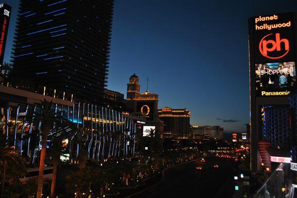 Las Vegas by night (14)