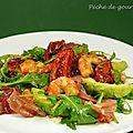 Salade de roquette aux crevettes et prosciutto