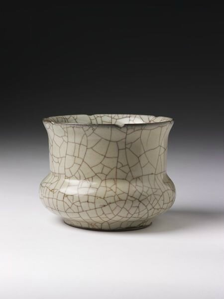 Jar with crackled glaze, China, Guan kilns, Southern Song dynasty (1200–1300)