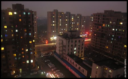 bolting_night_hovering_on_Beijing