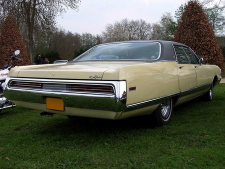 70_CHRYSLER_New_Yorker_Hardtop_Sedan__2_