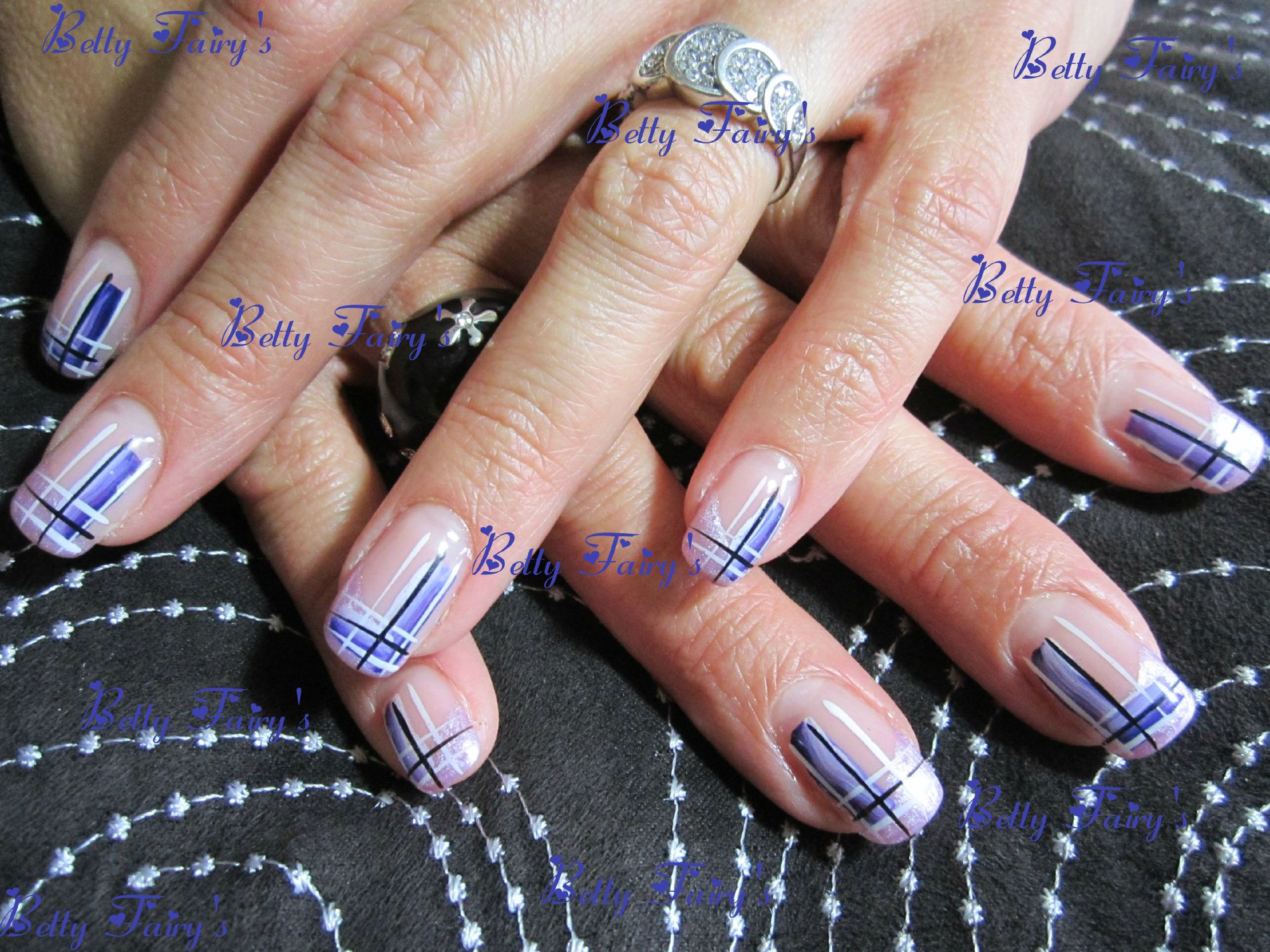 deco ongle quadrillage