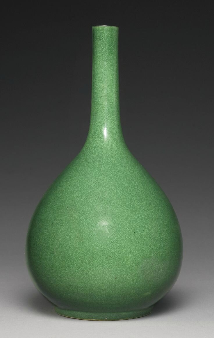 A large apple-green-glazed bottle vase, Qing dynasty, 18th century
