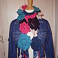 écharpe en fleurs (de crochet)