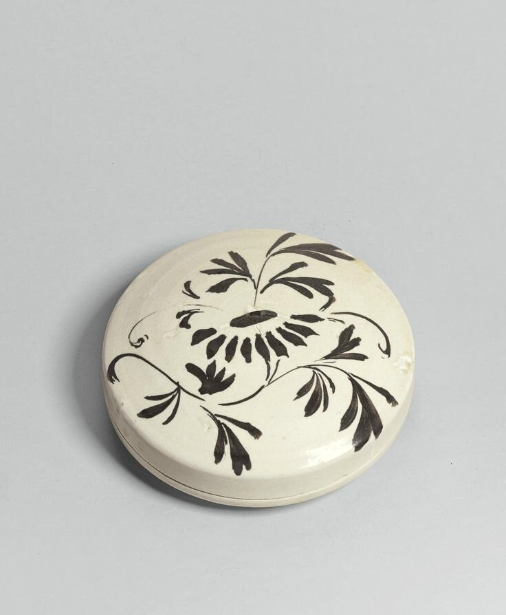 A 'Cizhou' painted box and cover, Northern Song - Jin dynasty