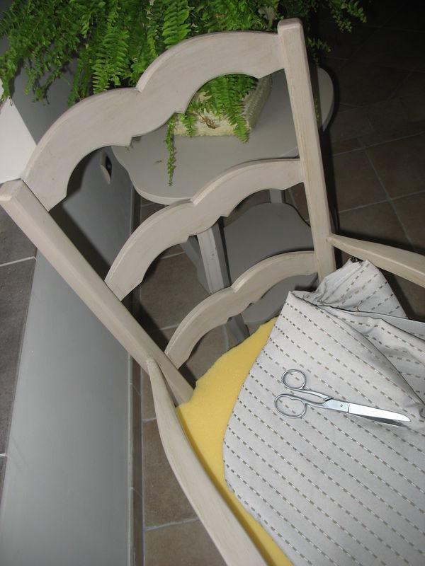 Fauteuil en paille jaderie et r veries for Relooker des chaises en paille