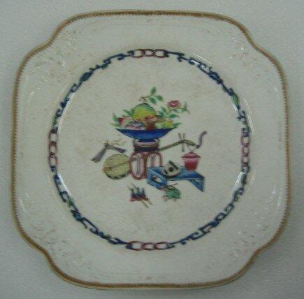3. Assiette de dessert, Angleterre, vers 1822-1823, Spode