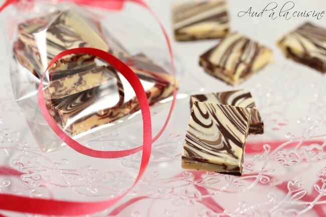 Carrés marbrés aux 2 chocolats & au beurre de cacahuètes