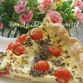 Tarte aux tomates cerises du jardin et au fromage de bufflonne