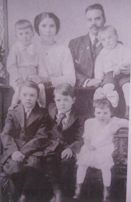 Famille Le Roy - Queffelec et leurs cinq enfants