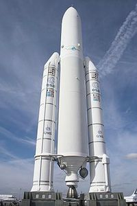 220px-Ariane_5_Le_Bourget_FRA_001