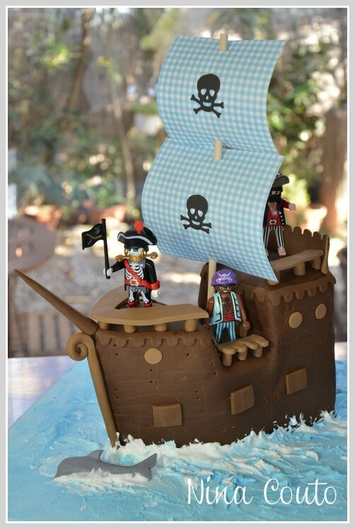 Gâteau anniversaire enfant Nîmes gâteau bateau pirate pate à sucre 6