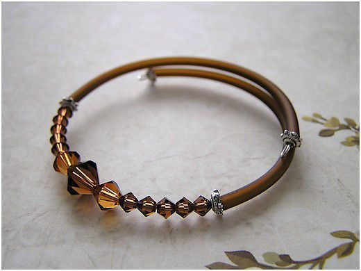 Bracelet tube marron (de Soizic)