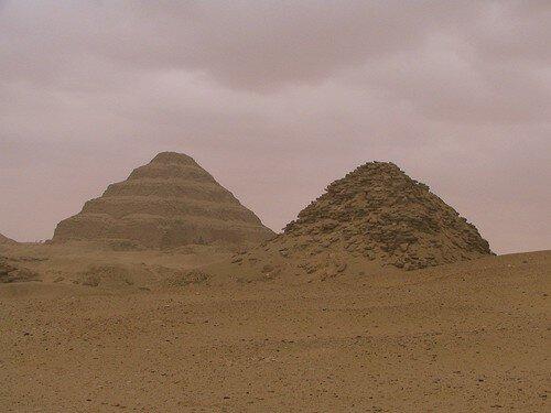 Pyramides à Sakkara