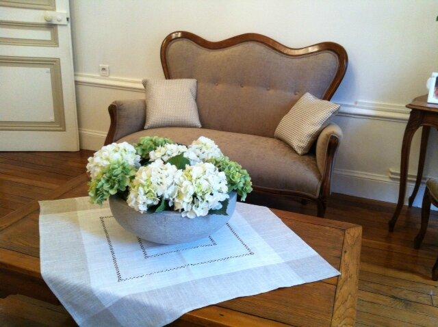 Salon louis philippe et chaises louis xvi de mme g for Salon louis philippe