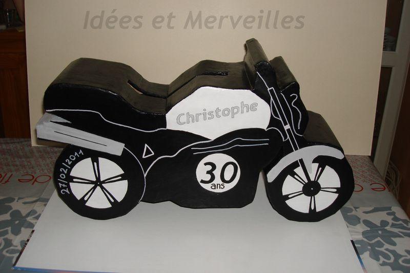 urne tirelire en forme de moto - Urne Mariage Moto