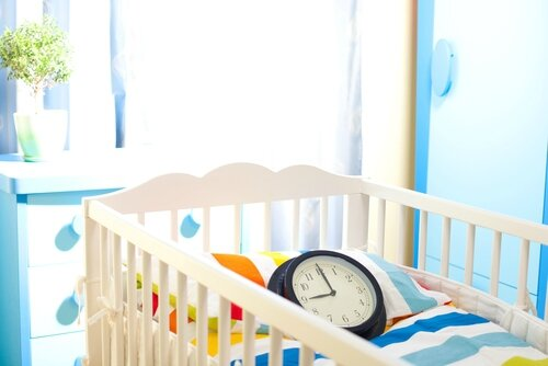shutterstock_baby room waiting crib