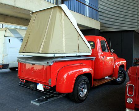 Ford_F100_pickup_de_1953__RegioMotoClassica_2010__02