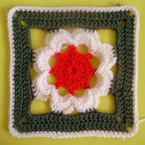 200 carrés crochet Calice