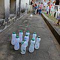 4 - Boowling avec les bouteilles de yaourt à boire