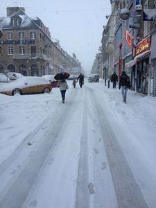 Avranches rue de la Constitution neige 12 mars 2013 piton